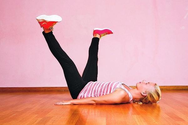 Упражнения для стройных ног и бедер