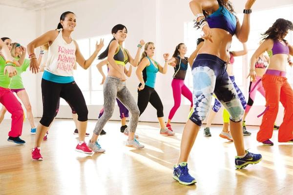 Танцевальная аэробика для похудения - занятия для начинающих.